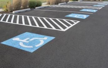 Как оформить инвалидное место парковки сопровождающему лицу